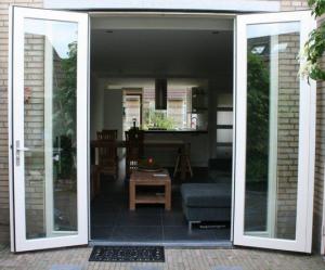 Openslaande deuren monteren